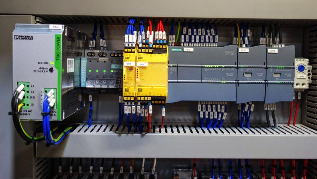 چگونگی انتخاب PLC مناسب برای پروژه