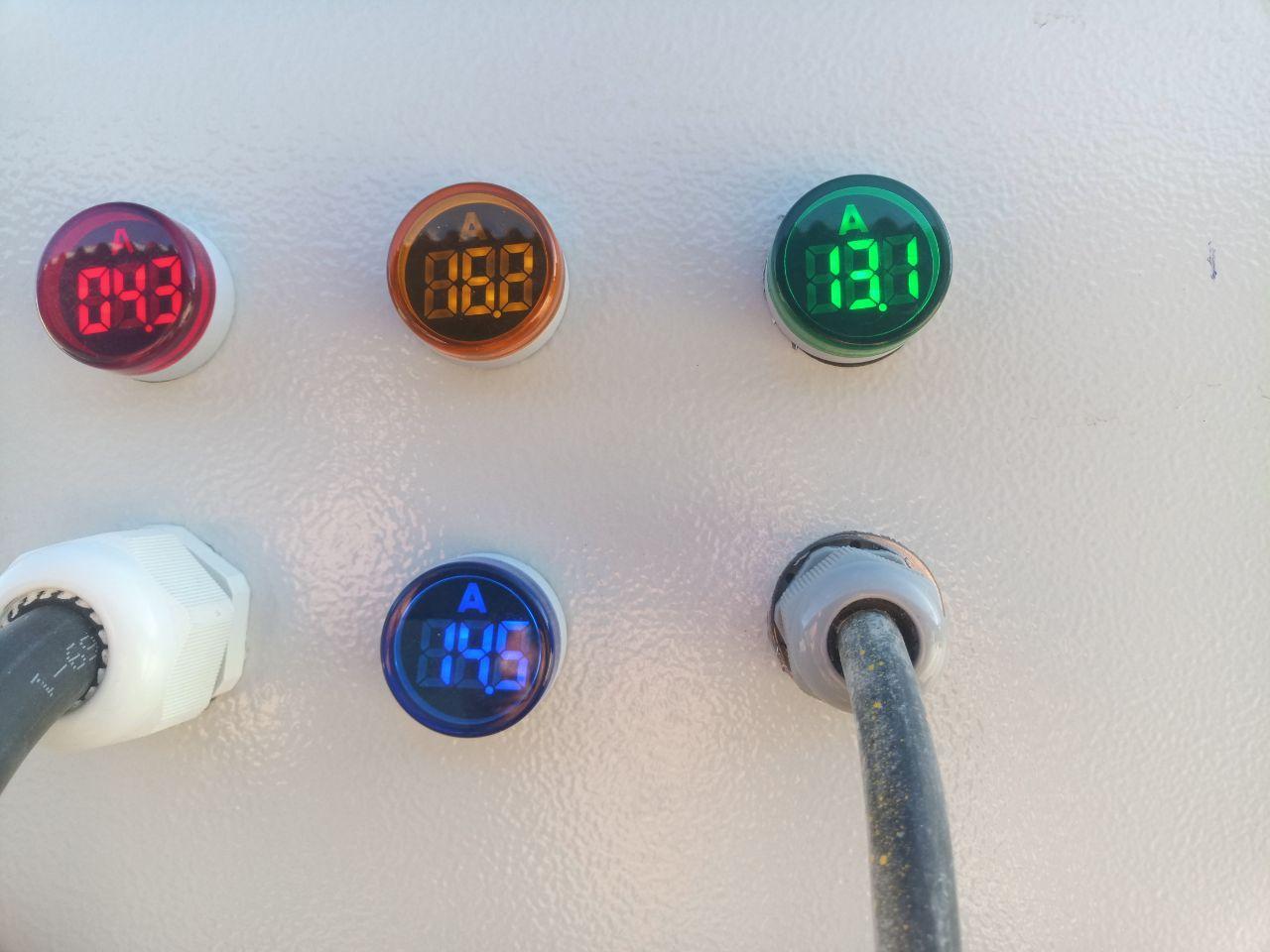نصب چراغ سیگنال JBH روی درب تابلو